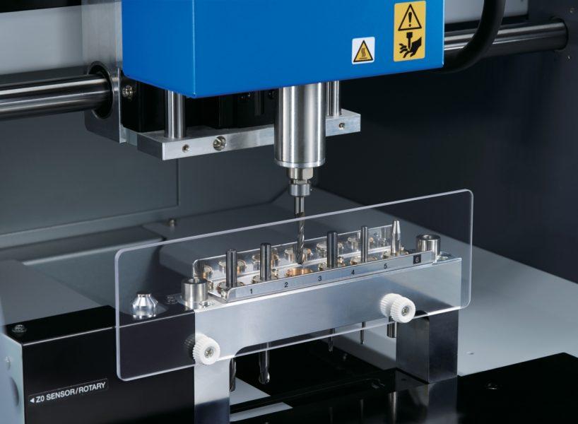 Roland DG anuncia o lançamento de nova fresadora MDX-50.
