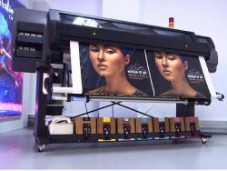 HP começa a vender no Brasil sua nova série de impressoras Látex