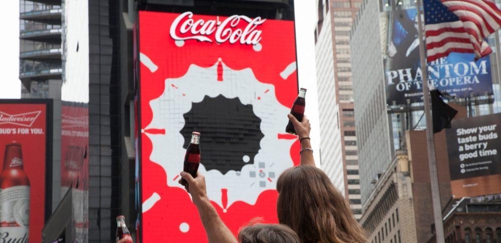 41279681c Telão 3D da Coca-Cola surpreende em Nova York