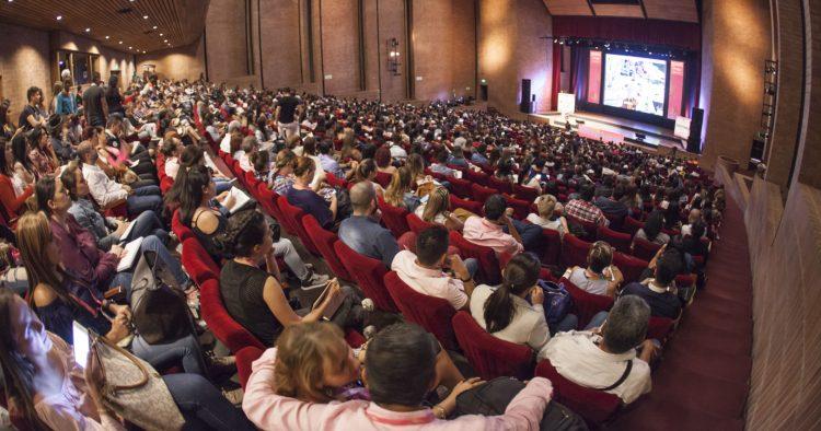 Fabricantes de máquinas e acessórios têxteis participam da Colombiatex