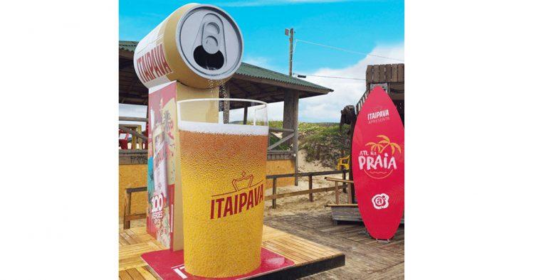 Marca de cerveja Itaipava cria ação de verão inusitada