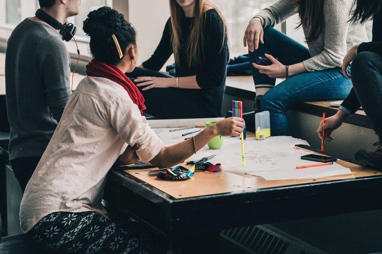 Como o minimalismo pode acabar com as reuniões improdutivas?